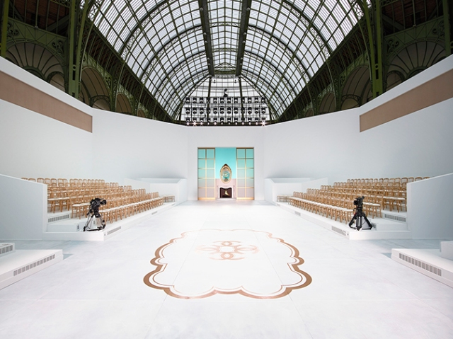 chanel-decor-fall-winter-2014-15-haute-couture